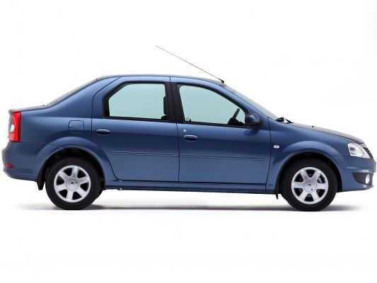 Renault Logan 2009, вид сбоку