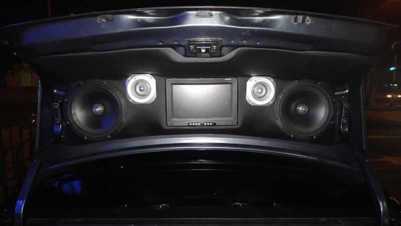 Аудиоподготовка: установка магнитолы и динамиков в Рено Логан
