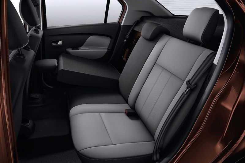 Renault Logan 2015: кресла