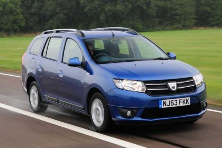 Dacia Logan на дороге